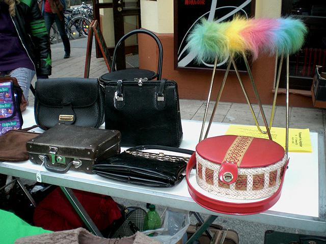 Taschen am Flohmarkt
