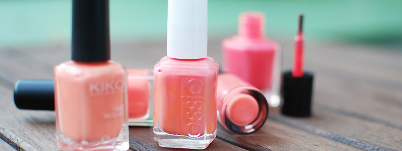coral nail polish