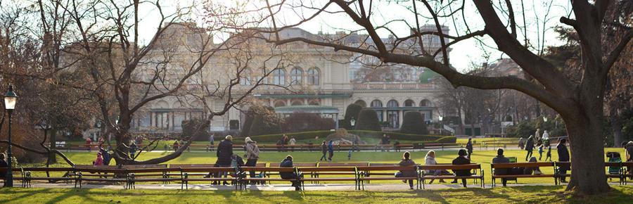 Stadtpark Wien | Pixi mit Milch