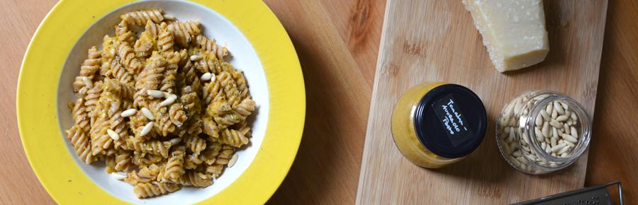 Rezept für Tomaten-Avocado-Pesto | Pixi mit Milch