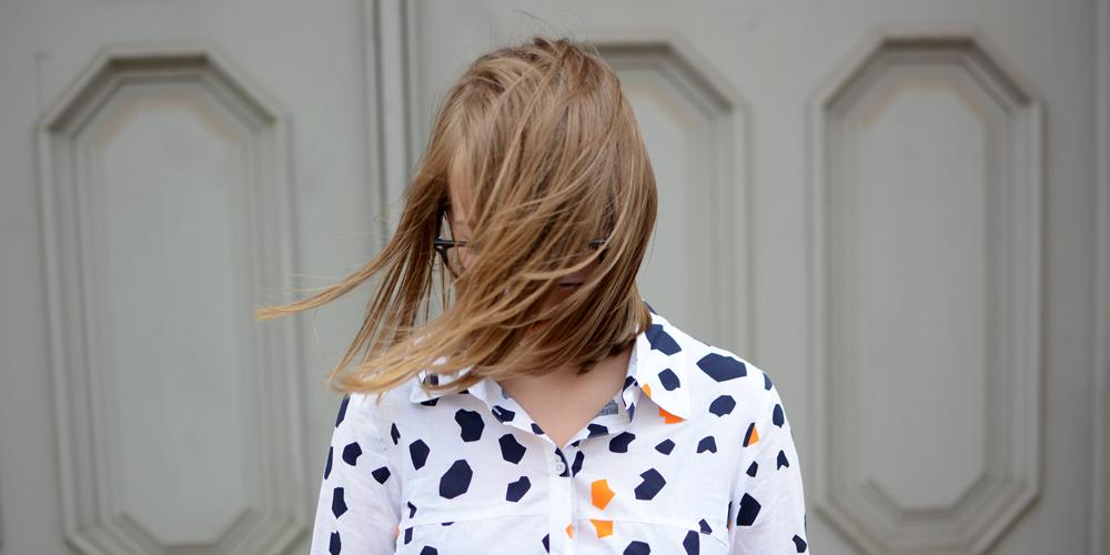 Outfit: Bluse von Anukoo |Pixi mit Milch