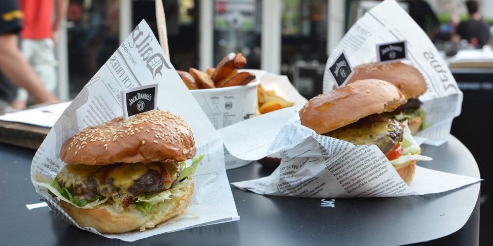 Burger-Jack-Daniels-Pop-Up-Bar | Pixi mit Milch