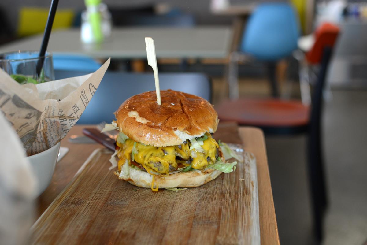 Kunsthaus Graz Burger | Pixi mit Milch