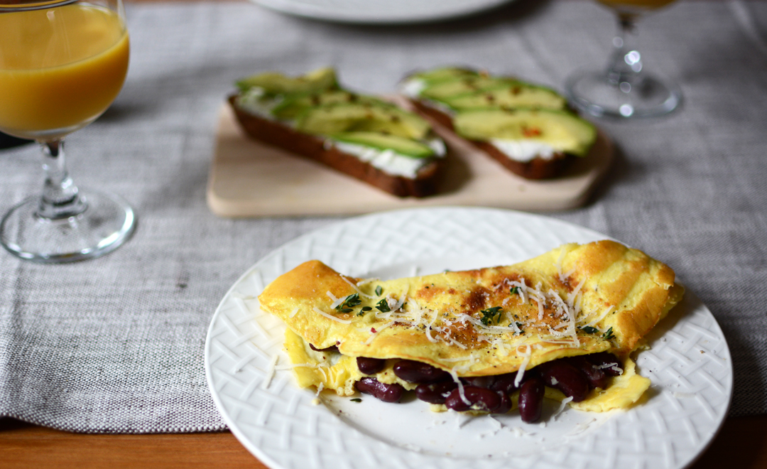 brunch rezepte avocadobrot und omelette pixi mit milch. Black Bedroom Furniture Sets. Home Design Ideas