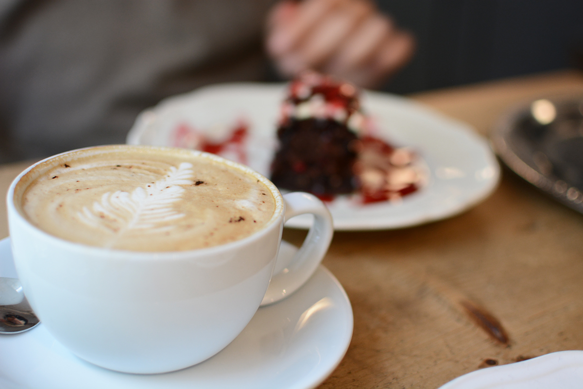 Pure Living Bakery: Coffee | Pixi mit Milch