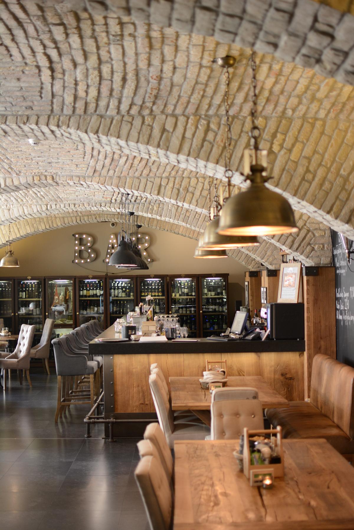 Bar im Loft Hotel in Bratislava |Pixi mit Milch