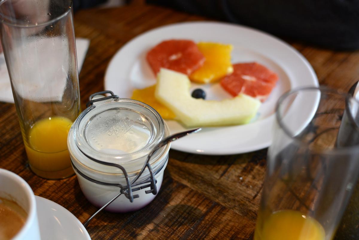 Breakfast im Loft Hotel in Bratislava |Pixi mit Milch