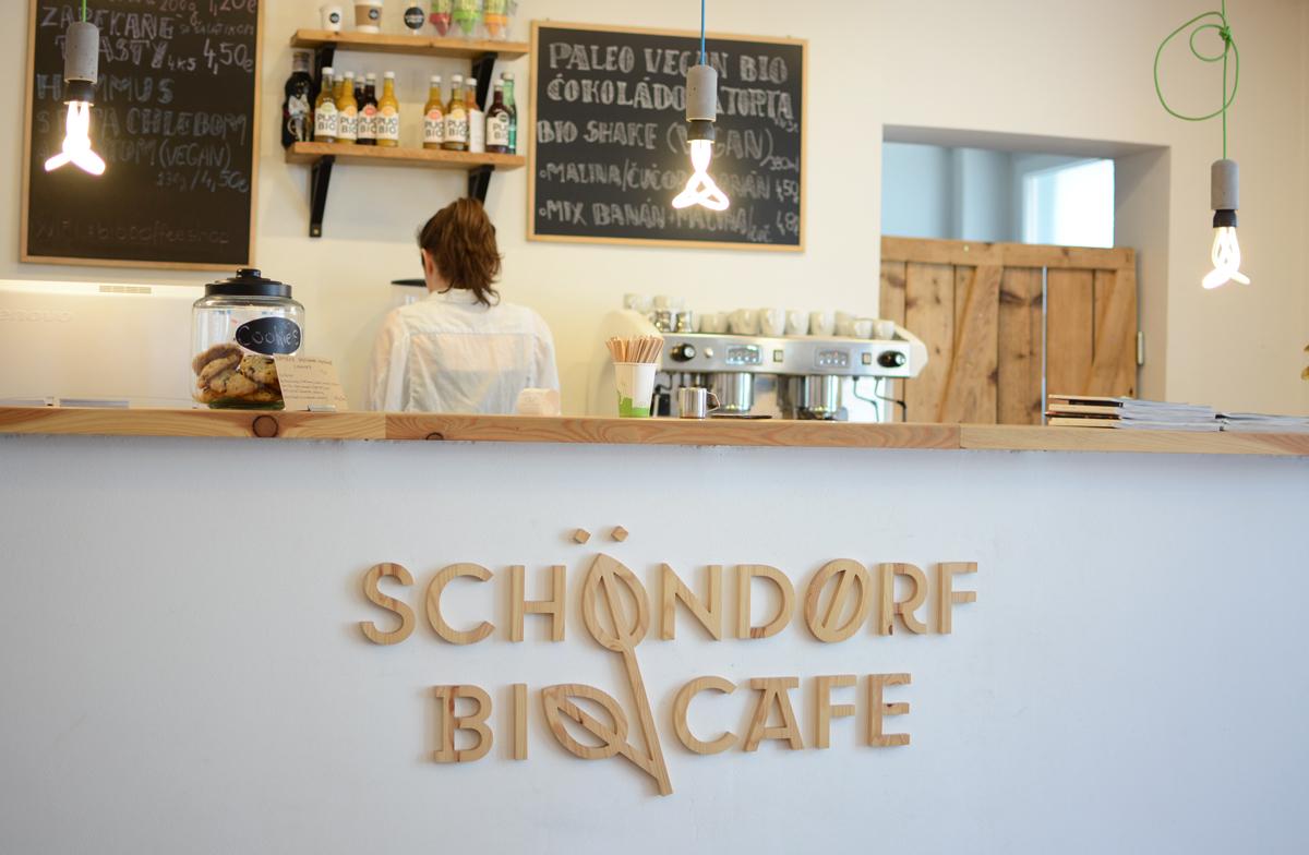 Schoendorf Bio Cafe Bratislava |Pixi mit Milch
