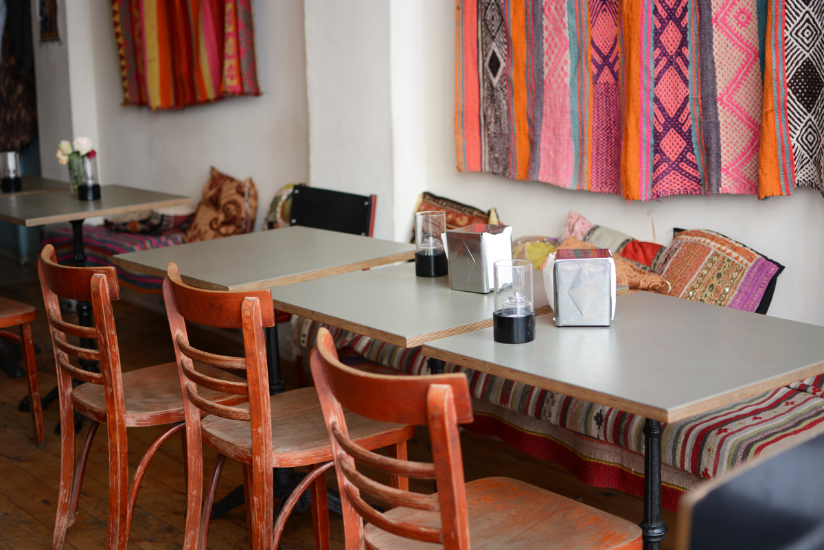Cafe N: Restaurant | Pixi mit Milch