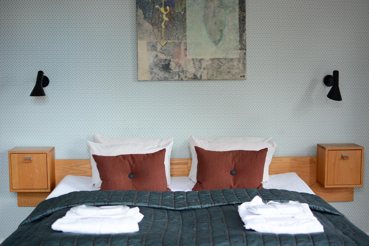 Hotel Alexandra: Bett | Pixi mit Milch