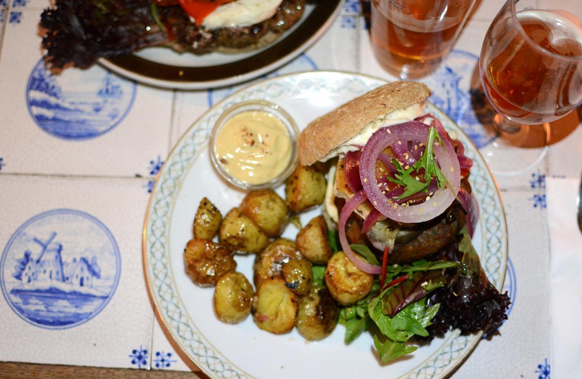 Kalaset Copenhagen: Veggie-Burger | Pixi mit Milch