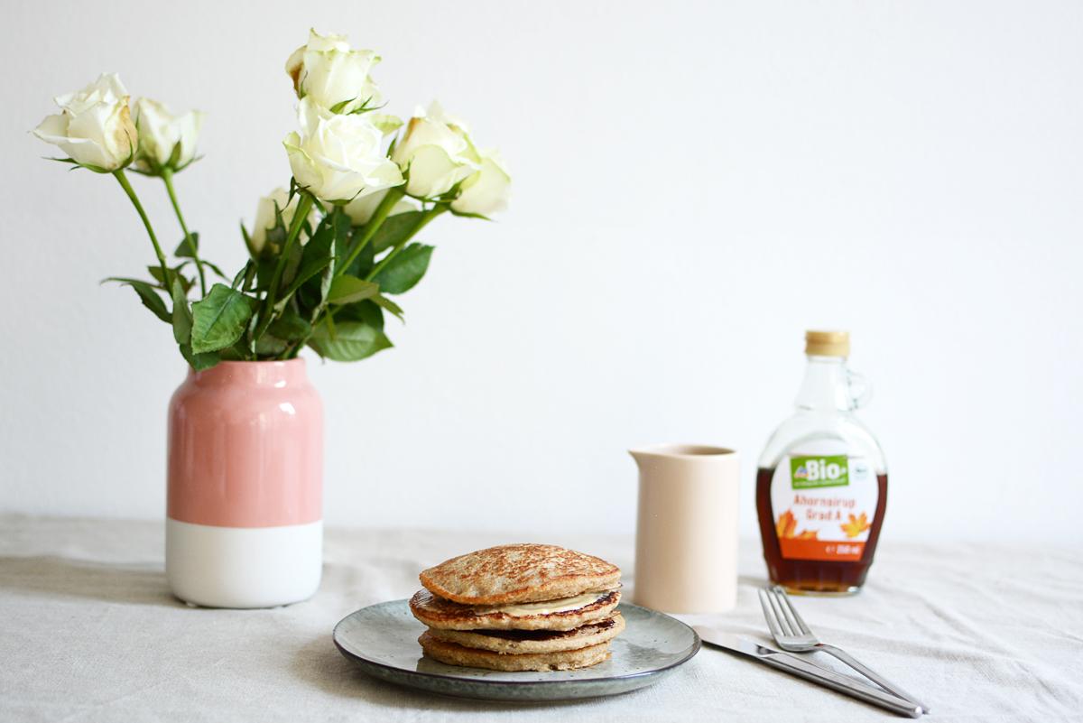 Pancakes-Rezept | Pixi mit Milch
