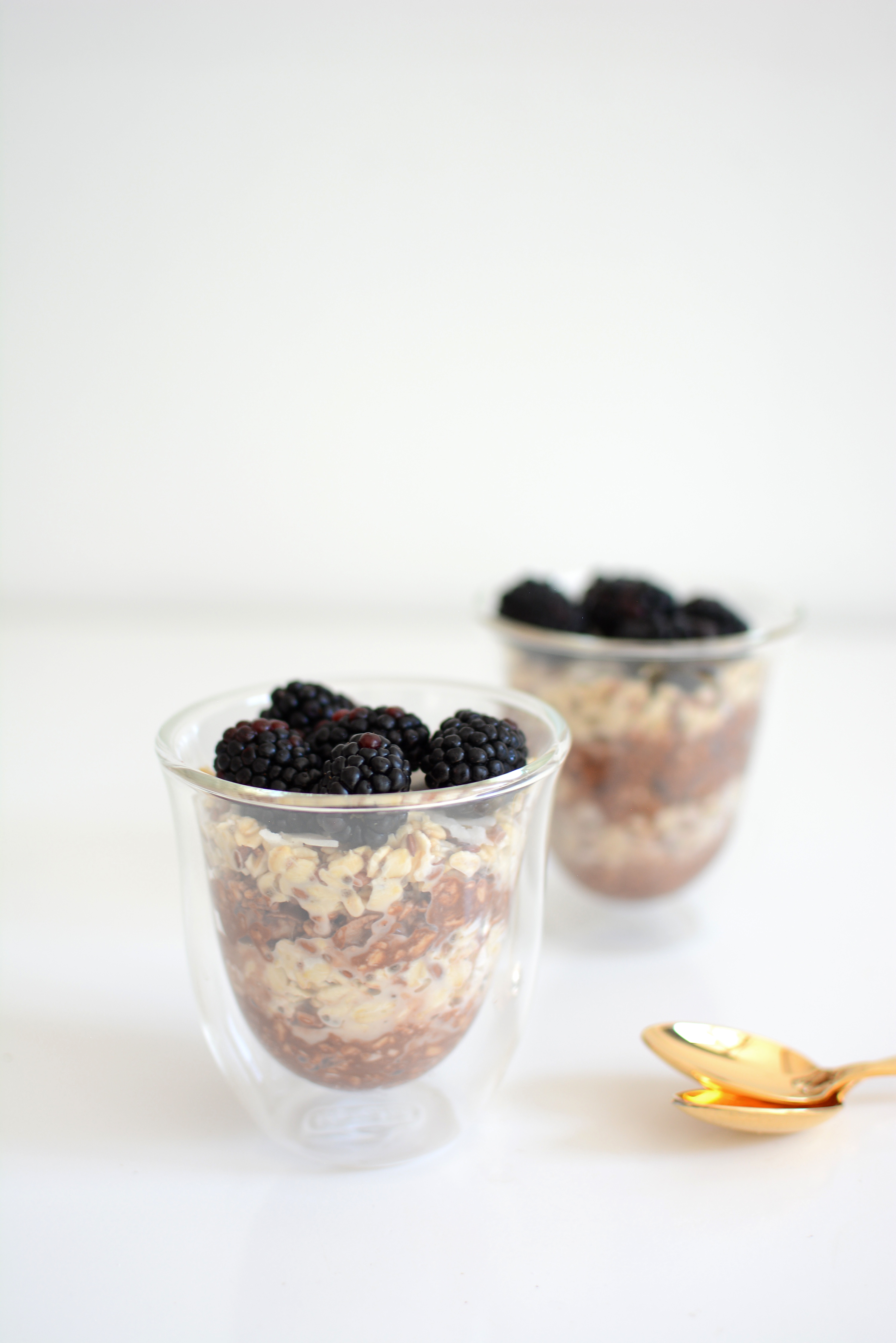 Vegan Overnight Oatmeal | Pixi mit Milch