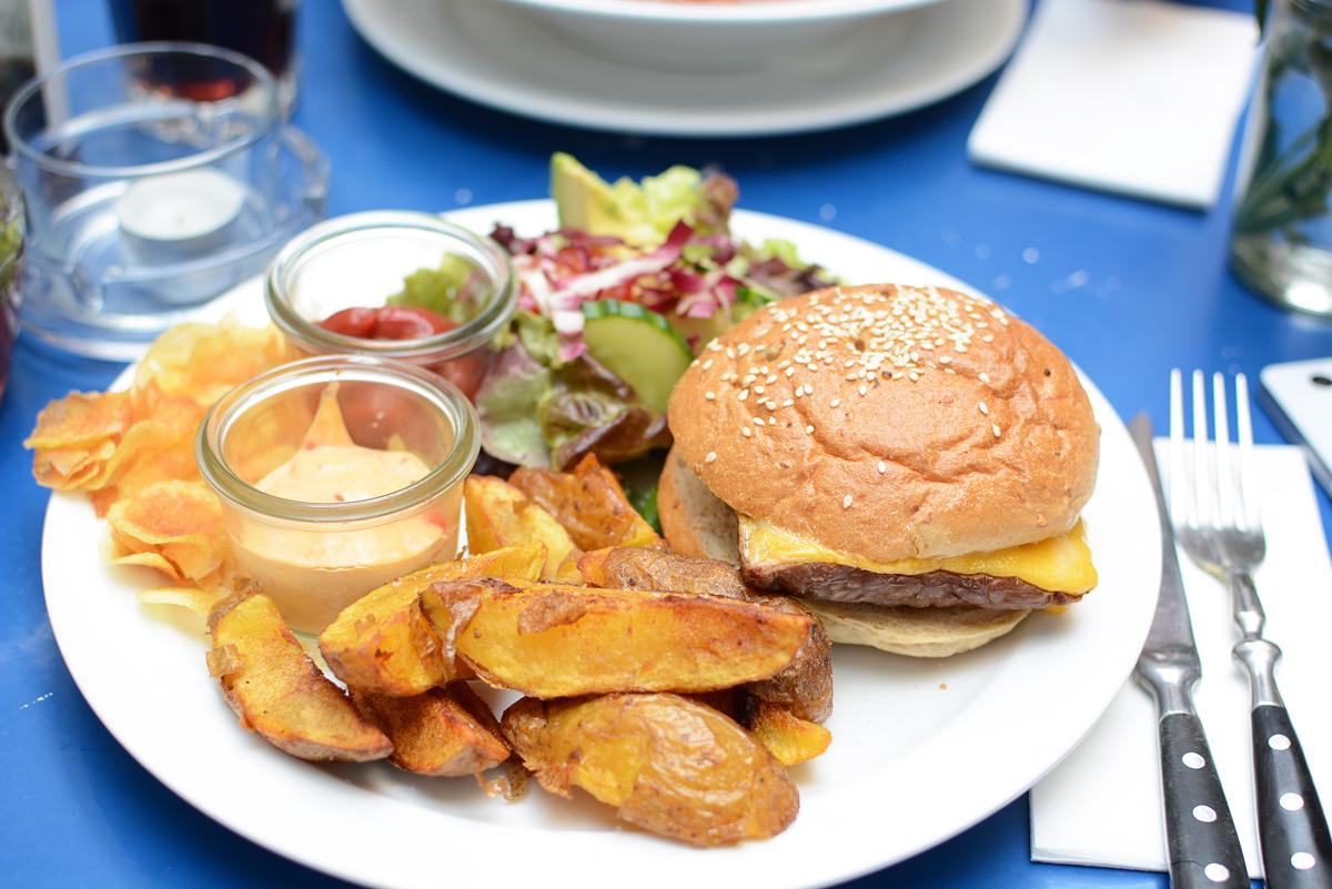 Das Augustin: Burger |Pixi mit Milch