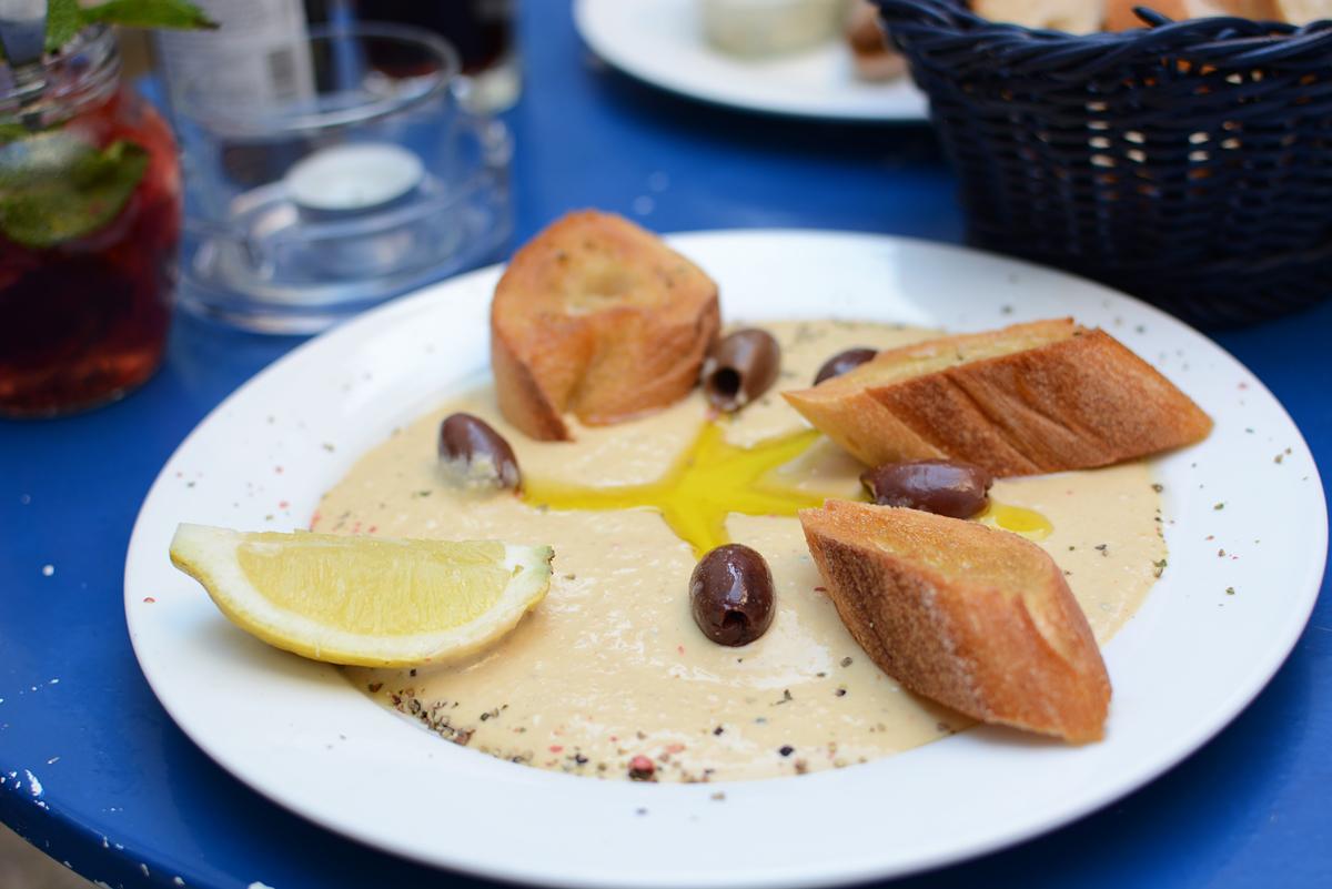 Das Augustin: Hummus | Pixi mit Milch