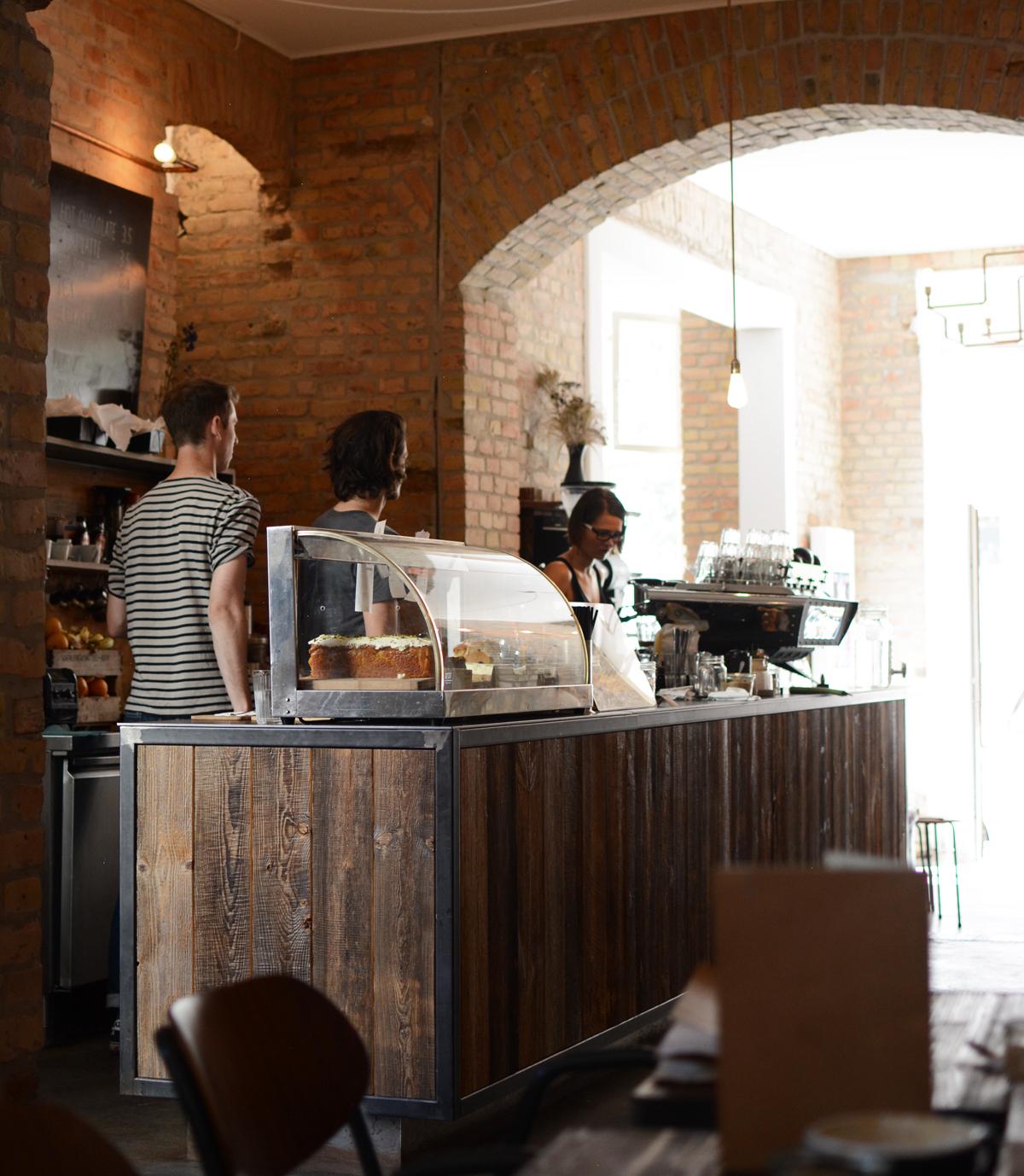 Distrikt Coffee Berlin |Pixi mit Milch