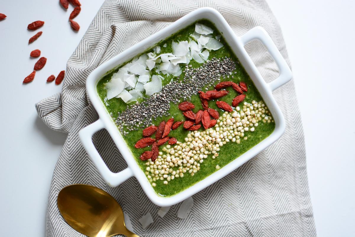 Green Smoothie Bowl | Pixi mit Milch