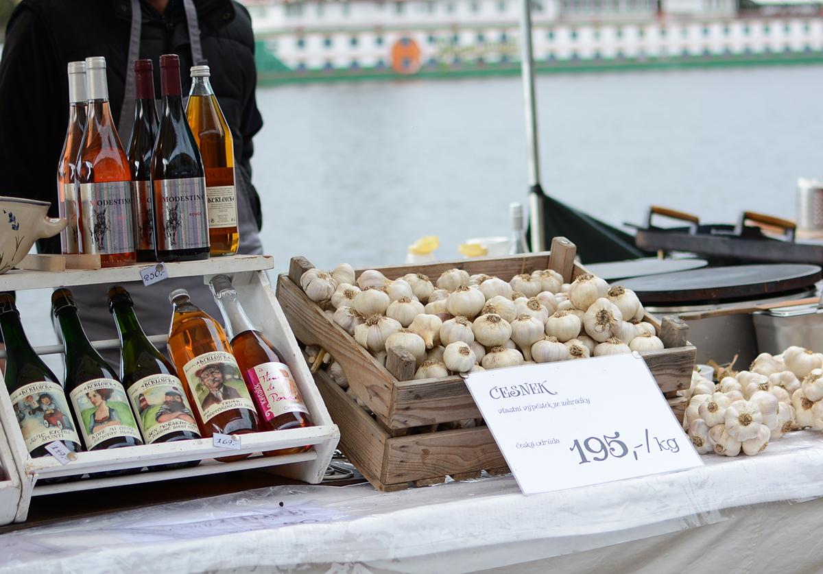 Prag: Naplavka Farmers Market | pixi mit milch