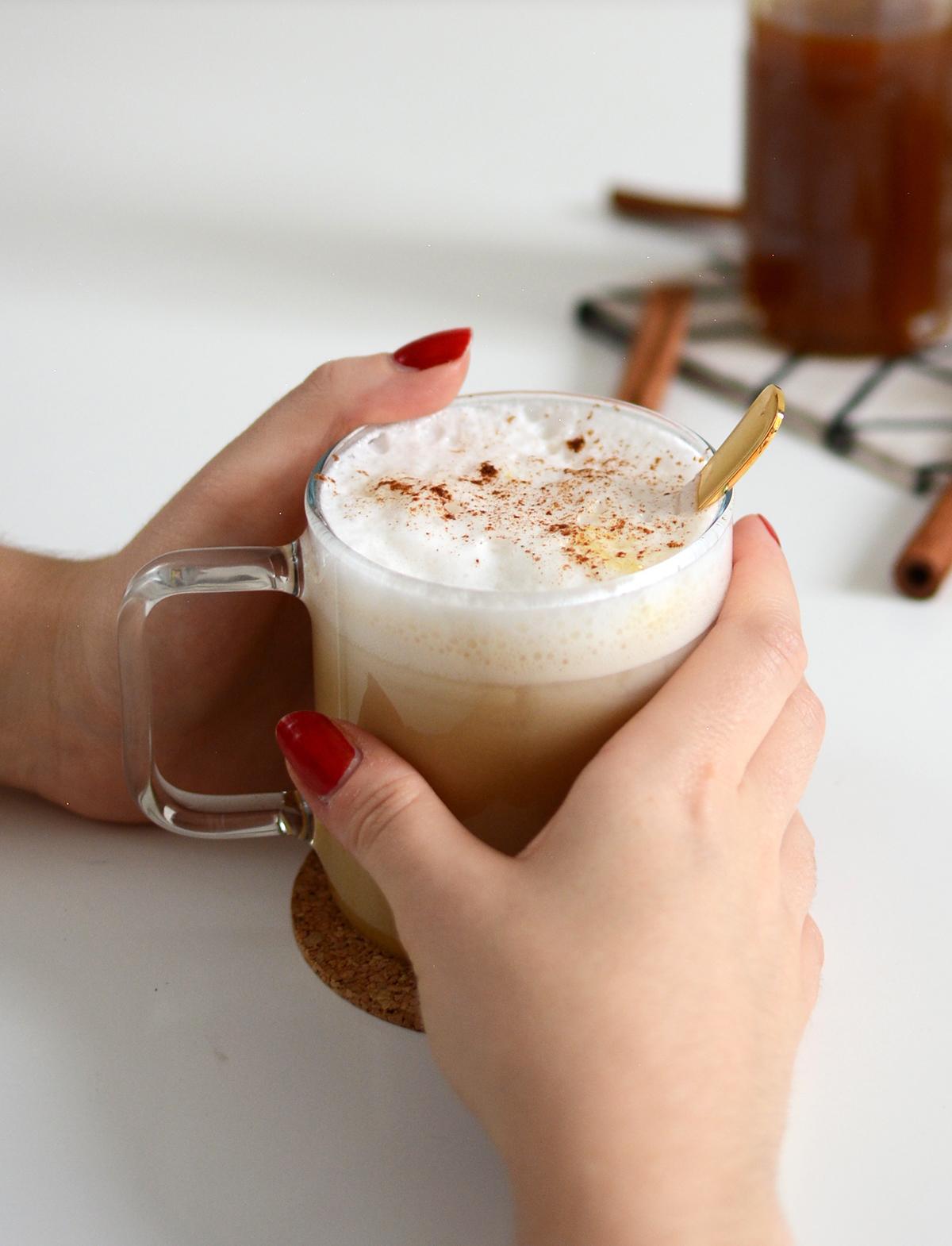 Pumpkin Spice Latte vegan | Pixi mit Milch