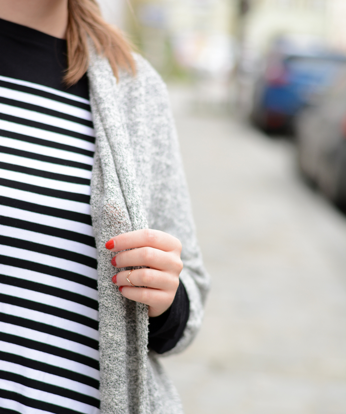 black-white-stripes-shirt-sbin_piximitmilch