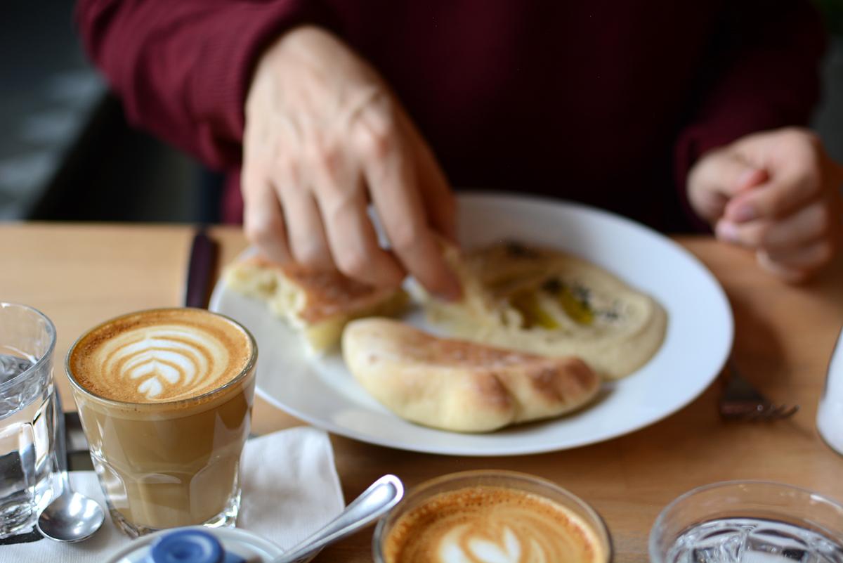 Mamacoffee Prag |Pixi mit Milch
