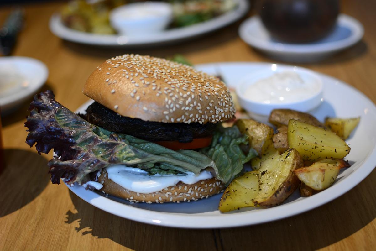 Moment Prag: Burger |Pixi mit Milch