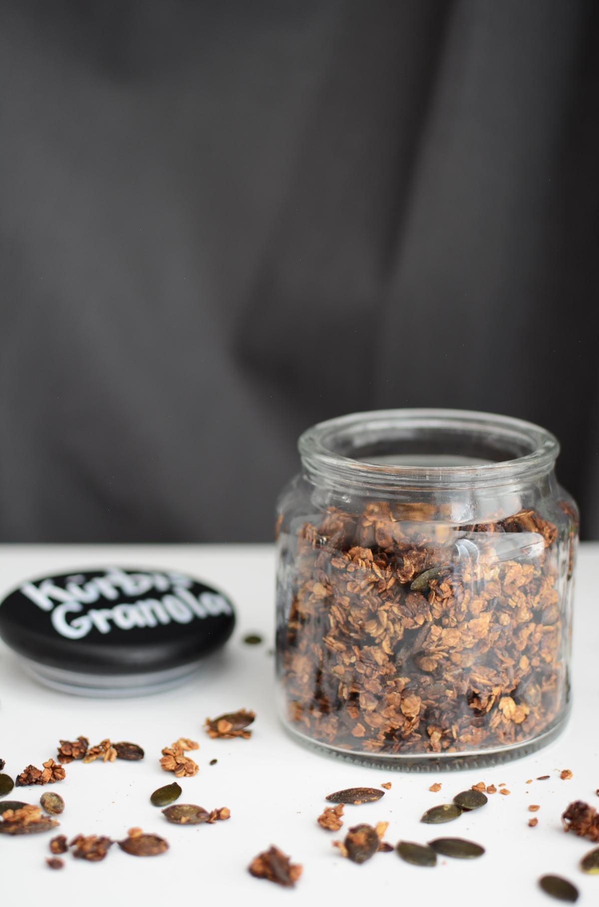 Kürbiskern-Granola | Pixi mit Milch