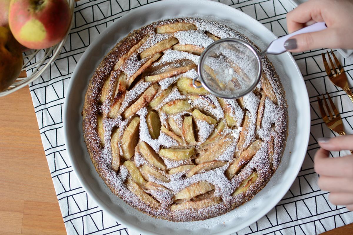 Apfelkuchen vegan | Pixi mit Milch