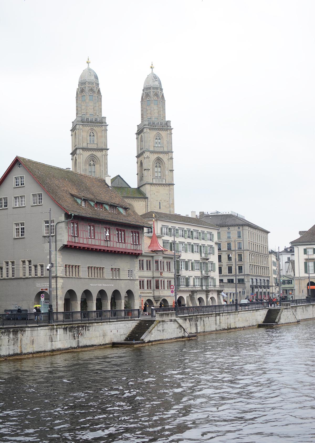 Innenstadt Zürich | Pixi mit Milch