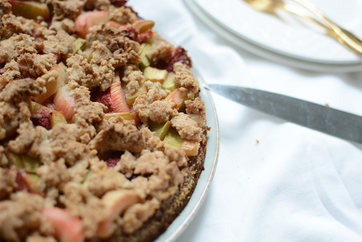 Rhabarber-Kokos-Kuchen backen | Pixi mit Milch