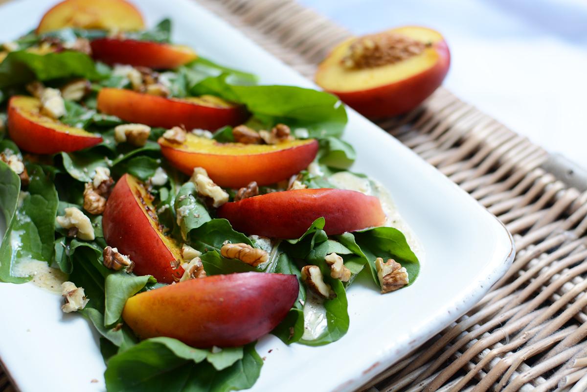 Rucola-Pfirsich-Salat vegan | Pixi mit Milch