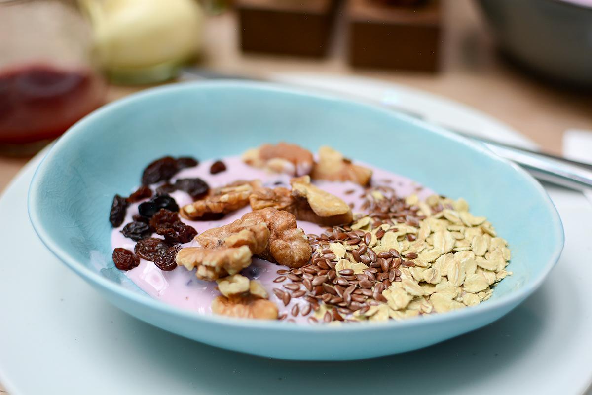 Tian Breakfast: Müsli | Pixi mit Milch