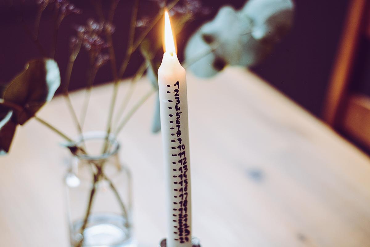Adventkalender-Kerze Scandi | Pixi mit Milch