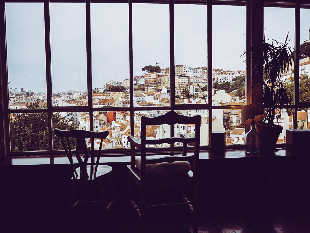 Cafe Garagem Lissabon |Pixi mit Milch