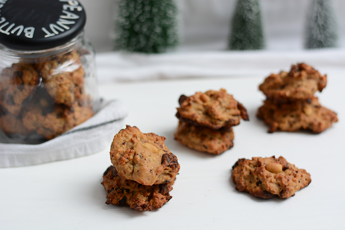 Peanut Butter Chocolate Chip Cookies Rezept | Pixi mit Milch