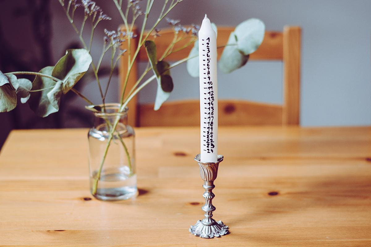 Selbstgemachte Adventkalender-Kerze | Pixi mit Milch