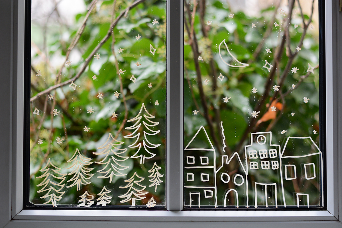 Weihnachtliche Fenstermalerei: DIY | Pixi mit Milch