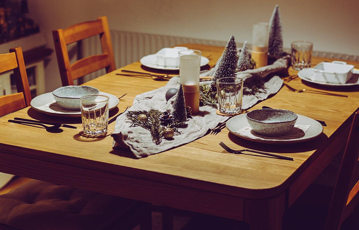 Weihnachtliche Tischdeko | Pixi mit Milch