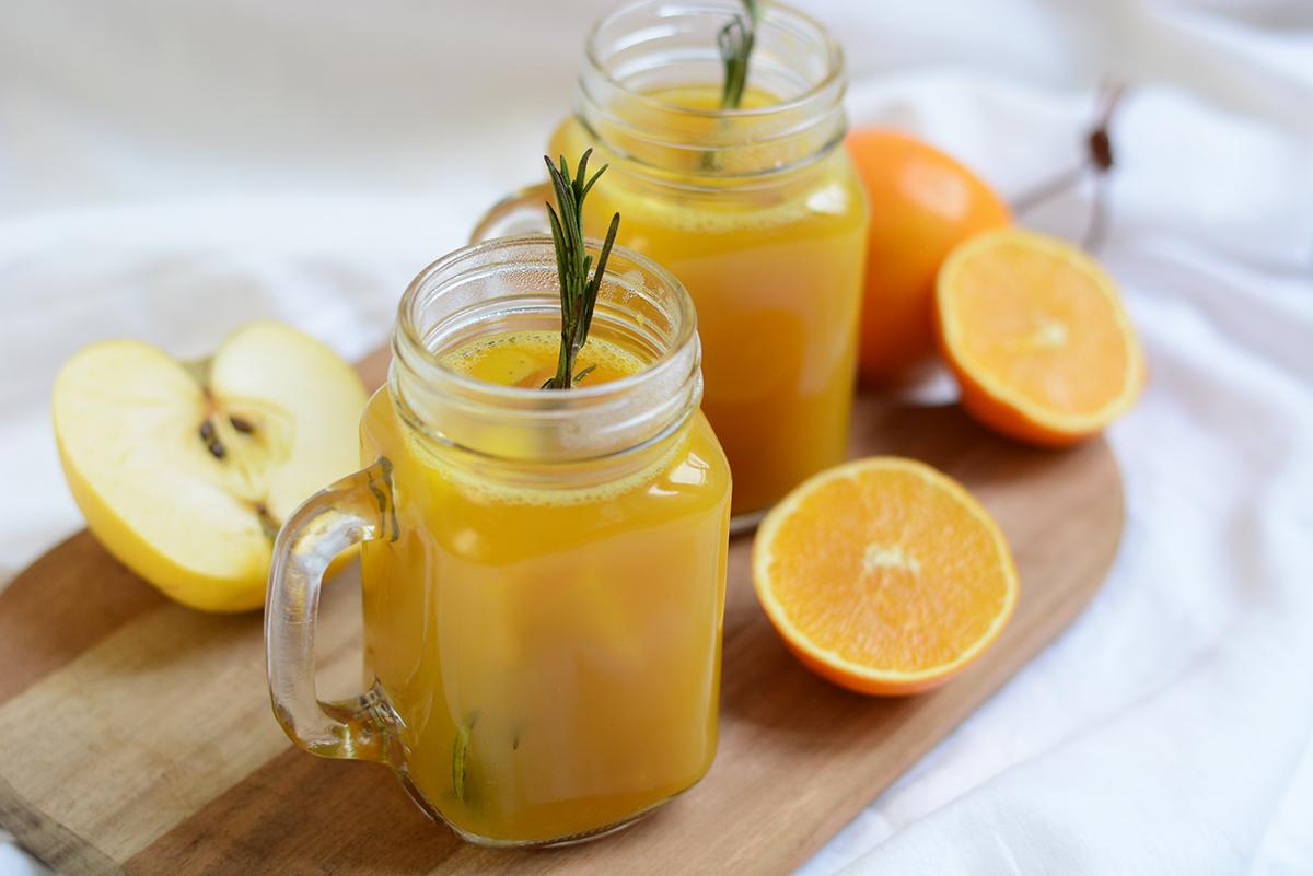 Weihnachtlicher Orangen-Apfel-Punsch | Pixi mit Milch