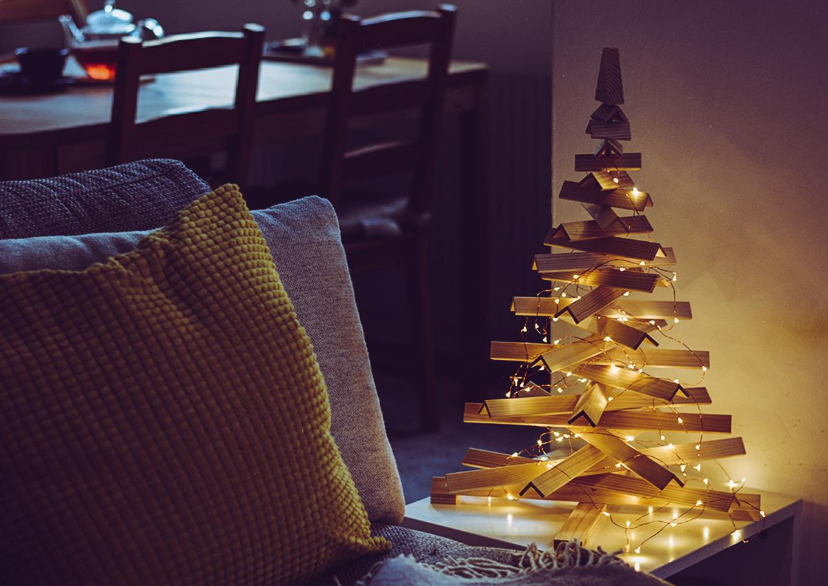 Weihnachtsbaum aus Holz | Pixi mit Milch