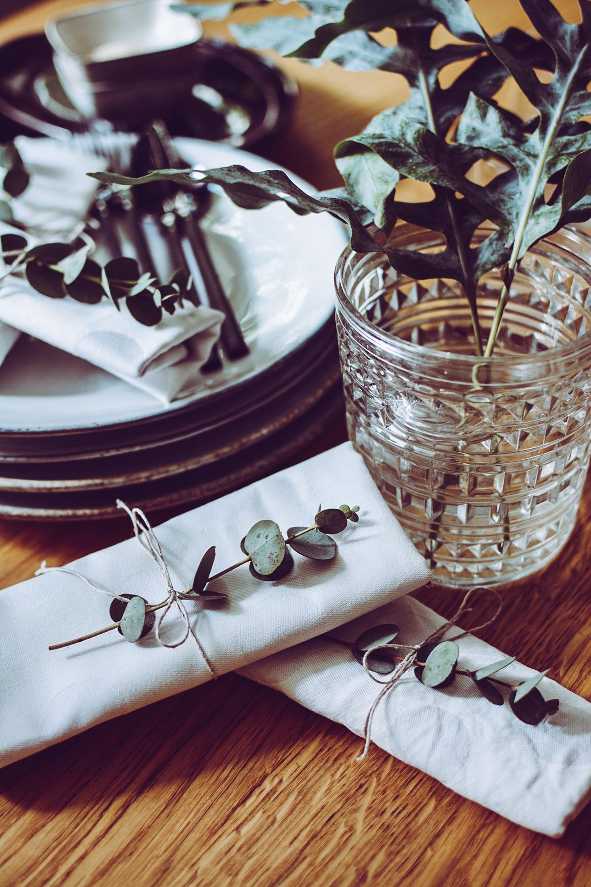 Tropical-Tischdeko mit Broste Copenhagen | Pixi mit Milch