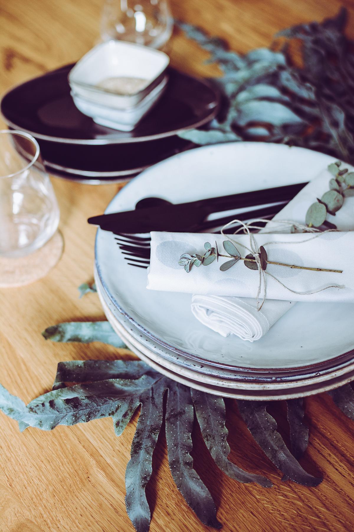 Tropical-Tischdeko | Pixi mit Milch