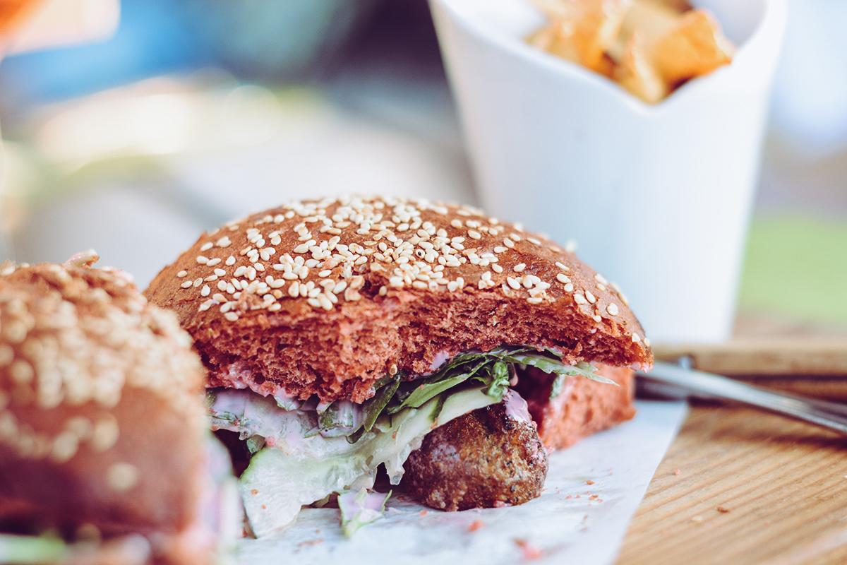 Siriuskogl Restaurant: Burger | Pixi mit Milch
