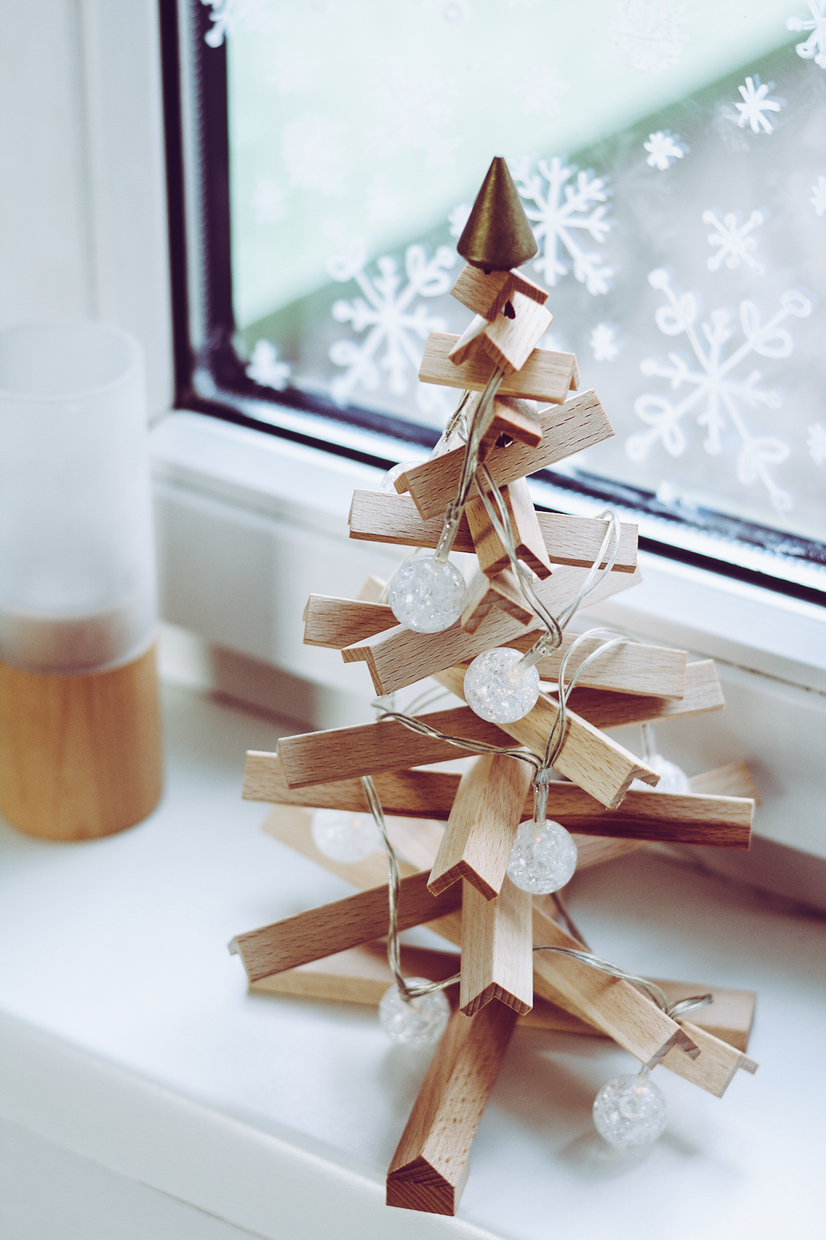 Nachhaltiger Baum aus Holz | Pixi mit Milch