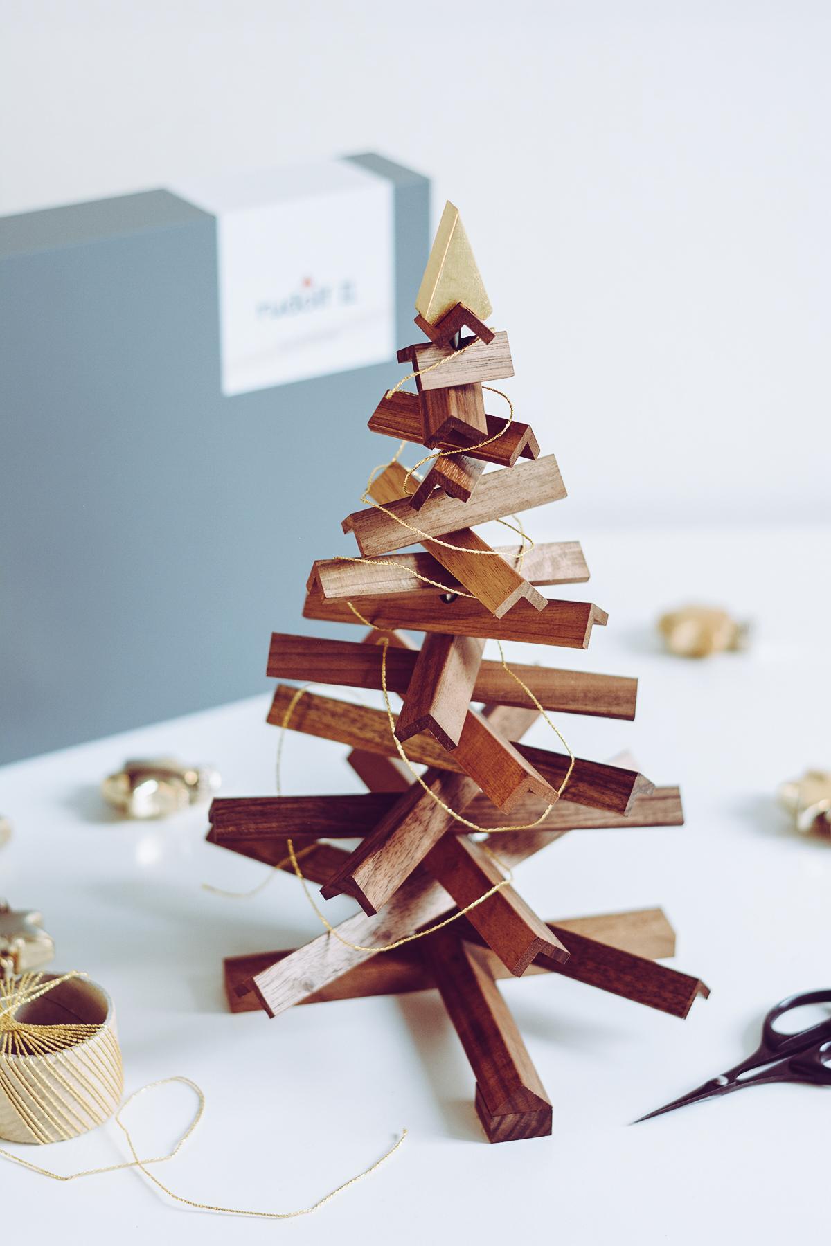 Rudolf: Design.Wien Nussholz Weihnachtsbaum | Pixi mit Milch