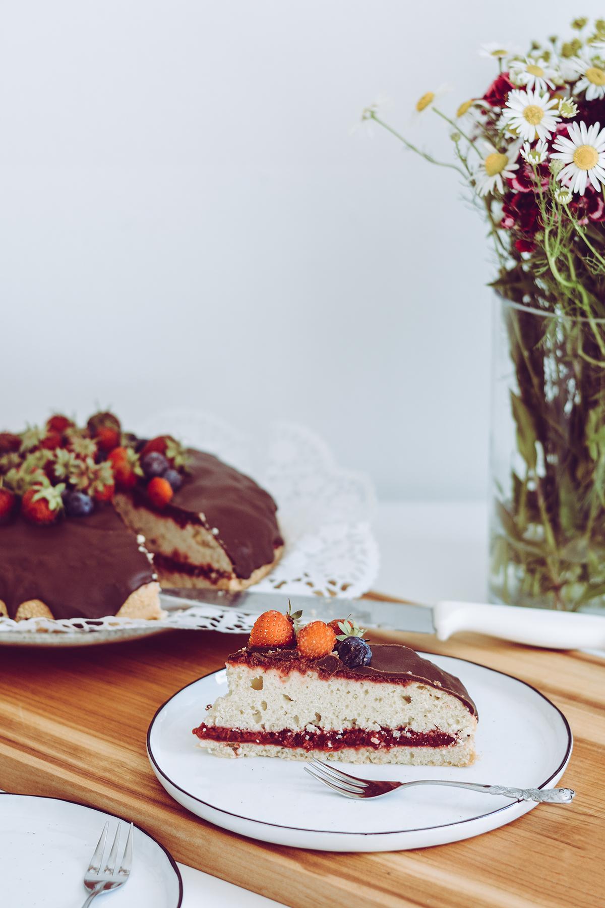 Vegane Erdbeer-Zitronentorte | Pixi mit Milch